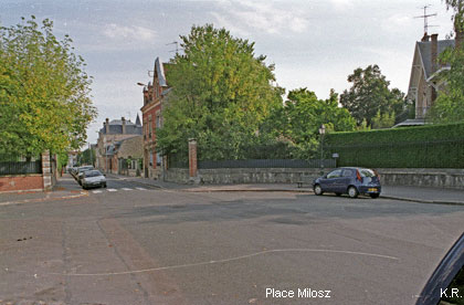 La Place Milosz à Fontainebleau